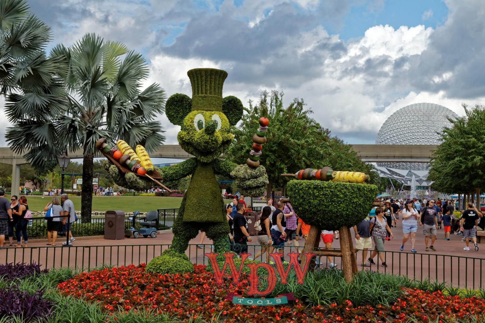 Mickey fires up the BBQ at Epcot's Food and Wine 2015